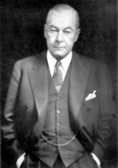 Old White Man In Suit Images & Pictures - Becuo