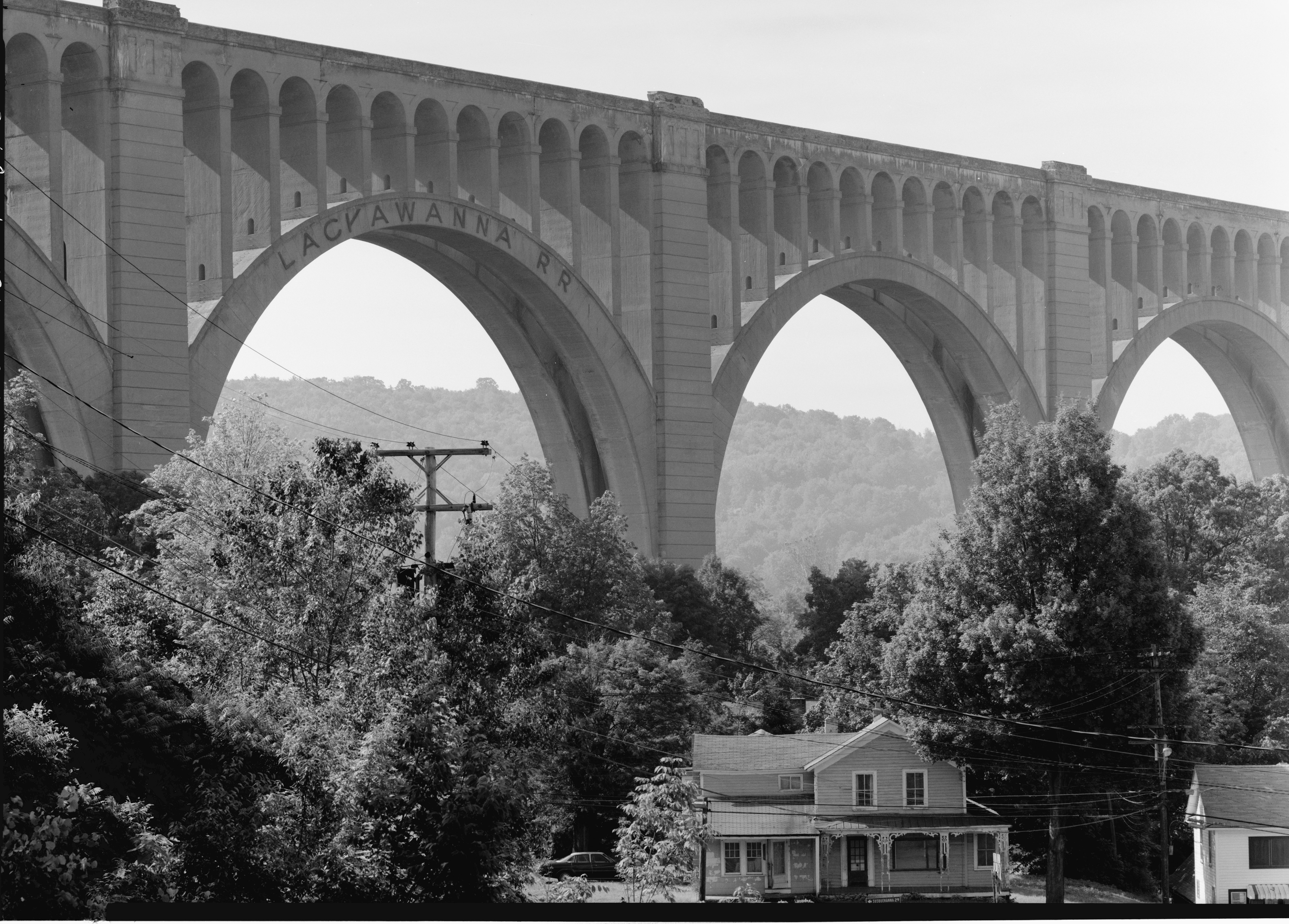 The Tunkhannock Viaduct [4712 × 3378]