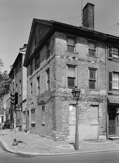 Kosciuszko House at 301 Pine Street in Philadelphia, before renovation.