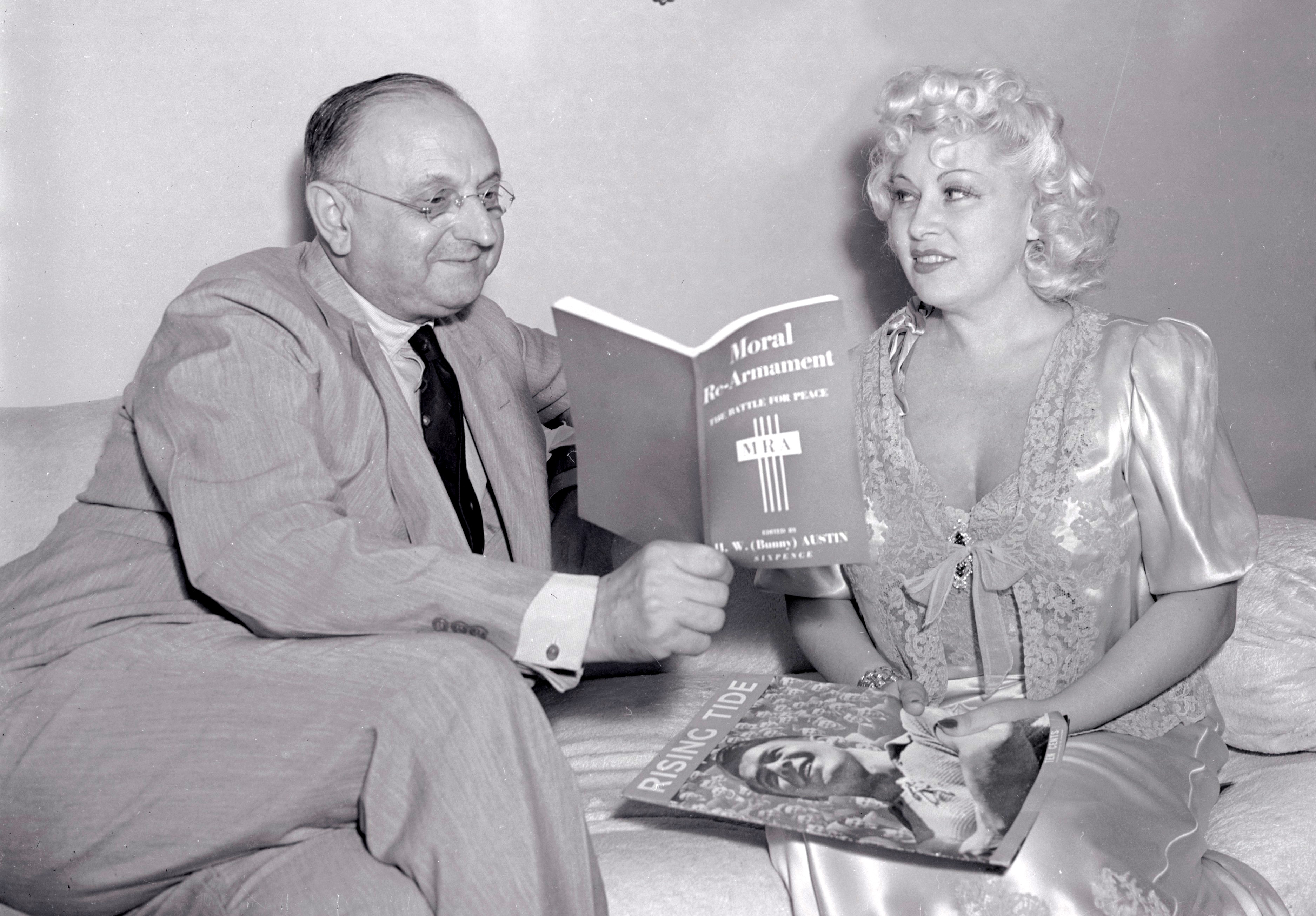 Mae West Is Shown In Her Sumptuous Hollywood Apartment As She Recently Discussed M Rearmament