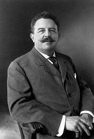 Head and shoulders photograph of Victor Herbert.